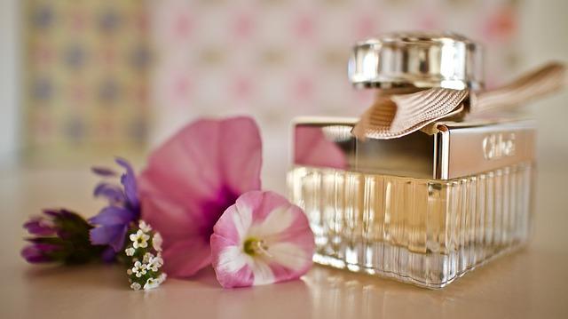 Dziewczyny na co zwracacie uwagę kupując perfumy